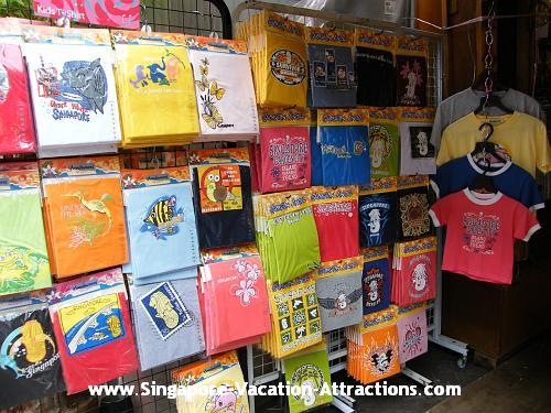 Shop for best gift, souvenir, antique, clothing, key chain, t-shirt etc at Singapore Chinatown
